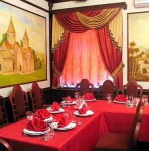 Шторы для ресторана, бордо портьеры